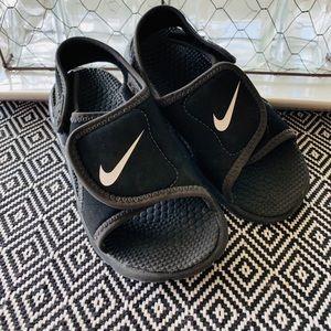 BOys NIKE Black Sunray Sandals- Size 9